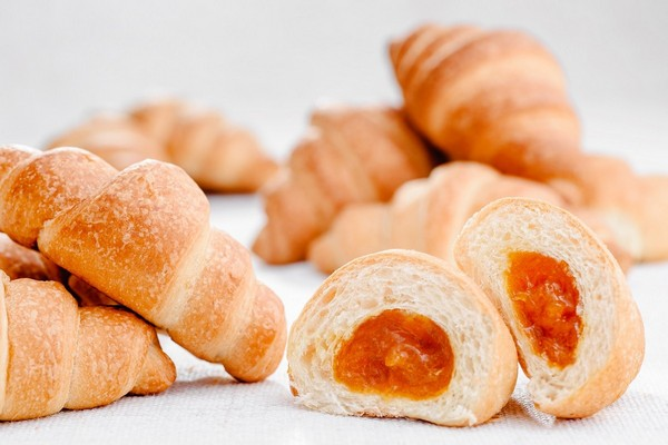 Croissant with apricot jam